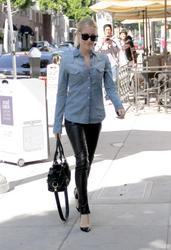 Кристин Каваллари Кавалери, фото 4679. Kristin Cavallari Cavalleri - Arriving to Jose Eber salon - Beverly Hills - 18/02/12, foto 4679
