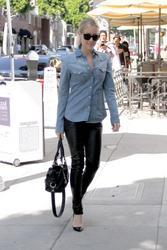 Кристин Каваллари Кавалери, фото 4680. Kristin Cavallari Cavalleri - Arriving to Jose Eber salon - Beverly Hills - 18/02/12, foto 4680