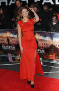 http://img249.imagevenue.com/loc389/th_376399768_AmyWillerton_olympus_has_fallen_uk_prem_027_122_389lo.jpg