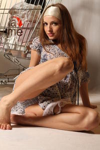 http://img249.imagevenue.com/loc46/th_999920370_tduid300163_MetArt_Entita_Alyssa_A_high_0064_123_46lo.jpg