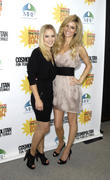 http://img249.imagevenue.com/loc523/th_29090_kristen_bell_practice_safe_sun_awards_luncheon_06_122_523lo.jpg